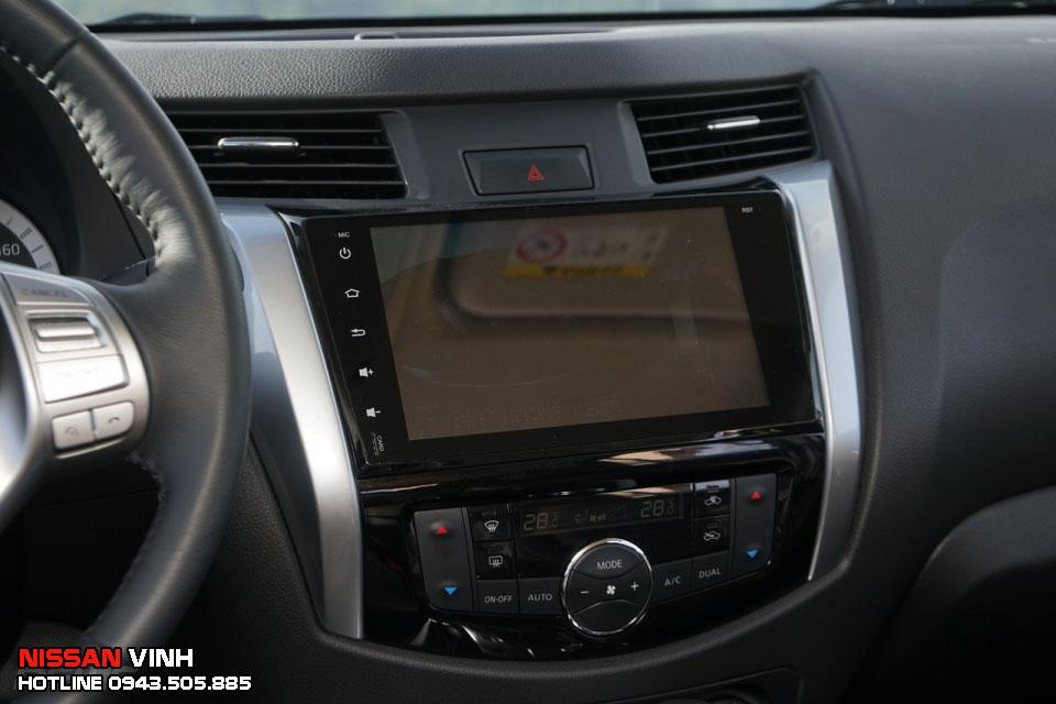 Màn hình trên Nissan Terra