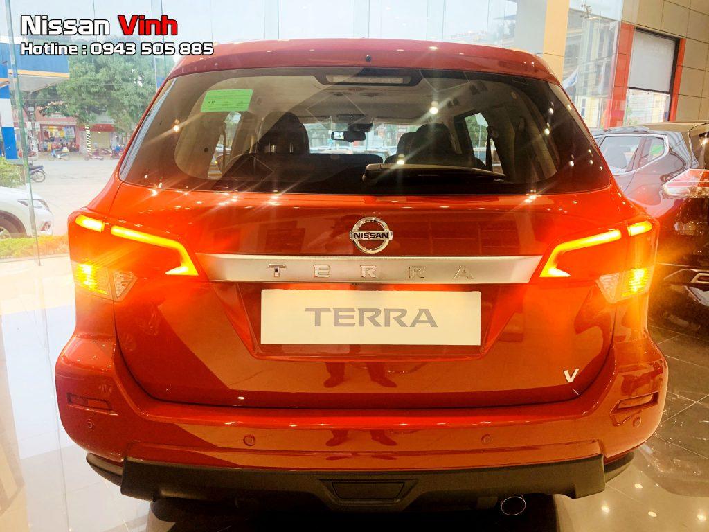 Đánh giá về đuôi xe Nissan Terra
