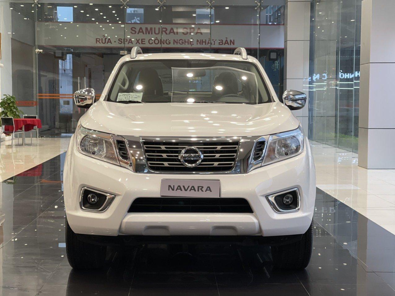 Đầu xe Nissan Navara VL