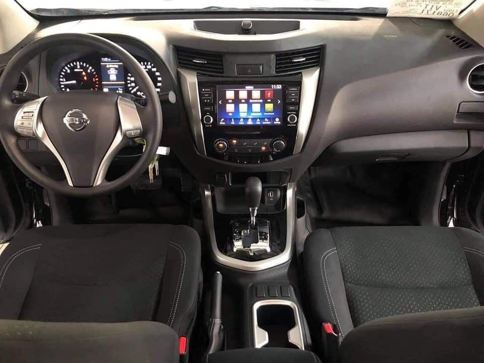 Nội thất Nissan Navara 2021