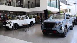Nissan Navara 2021 đã có mặt ở Đại lý Nissan Vinh, sẵn sàng thách thức Ford Ranger